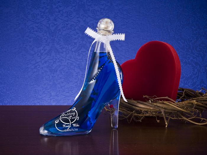 ガラスの靴とハートのオブジェ